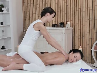 Lesbian rub-down sizzles with dolls Gina Devine and Natali Blue
