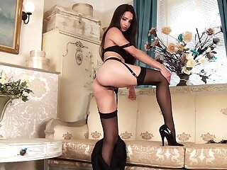 Drawing unfocused Chelsea French in stockings plays with their way pussy