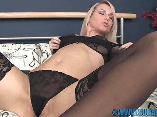Naughty girl Celine loves nothing more than fretting her pussy