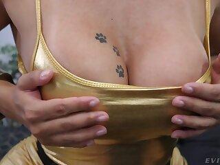 Lifelike big bottomed bombshell Mia Linz loves nothing but hardcore threesome